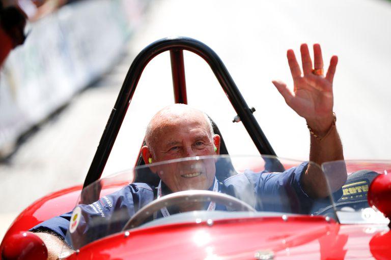 Stirling Moss, monta un Ferrari 750 Monza en una foto de archivo tomada en el Rally Clásico e Ennstal.