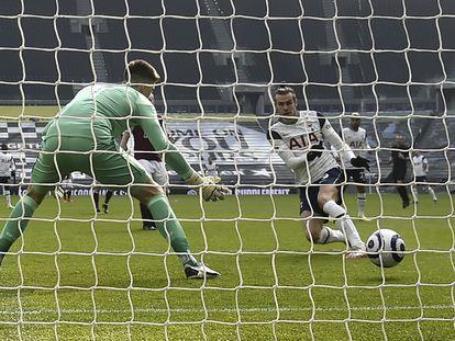 Bale marca el 1-0 ante el Burnley.