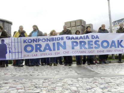 Concentración de los sindicatos vascos celebrada en Bilbao el pasado 17 de enero contra la política penitenciaria que se aplica a los presos de ETA.