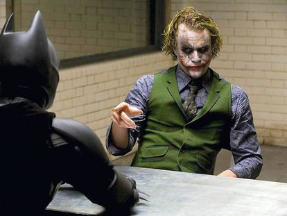 El Joker de Heath Ledger se reía de Batman. Al fin y al cabo, el disfraz del héroe es bastante más ridículo que el del villano.