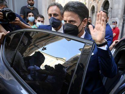 Giuseppe Conte tras ofrecer una rueda de prensa en Roma el lunes.