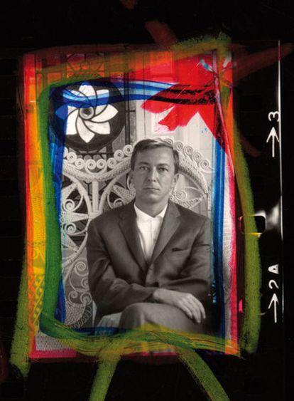 El pintor y escultor Jasper Johns, visto por Dennis Hopper en 1964.