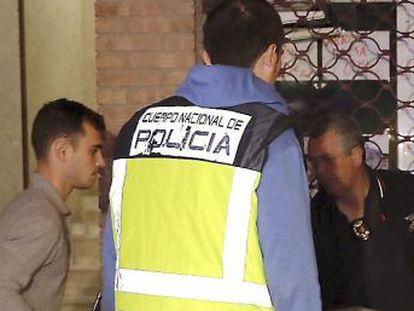 El agresor, detenido tras tirarse por la ventana de la vivienda de un segundo piso