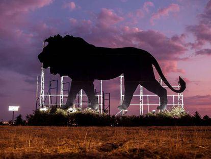 Valla publicitaria de la película 'El rey León', en Madrid.