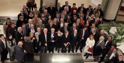 La oposición parlamentaria, junto a rectores y científicos, tras la firma de documento contra los recortes en I+D.