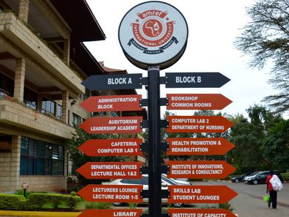 Entrada de la Universidad Internacional de Amref en Nairobi.