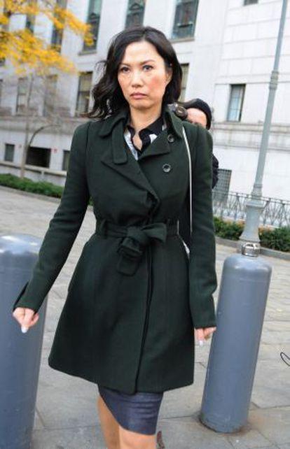 Wendi Deng, a la salida de la Corte Suprema, el 20 de noviembre de 2013.