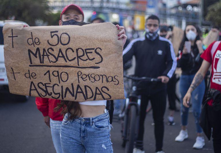 Dos nuevas masacres enlutan Colombia y evidencian la crisis de seguridad que vive el país   Internacional   EL PAÍS