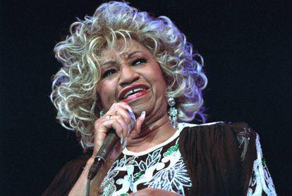 La cantante Celia Cruz (1925-2003) en un concierto en Holanda.