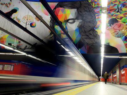 El mural de la estación de Metro de Paco de Lucía en el barrio de Mirasierra de Madrid.
