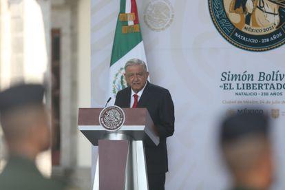 El presidente de México, Andrés Manuel López Obrador, en la celebración del natalicio de Simón Bolívar, en la Ciudad de México.