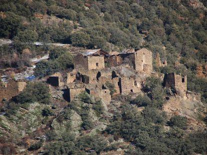 Pueblo en Lleida de 44 hectáreas en venta por 450.000 euros.