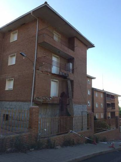 Estado en que quedaron los balcones tras el derrumbe.