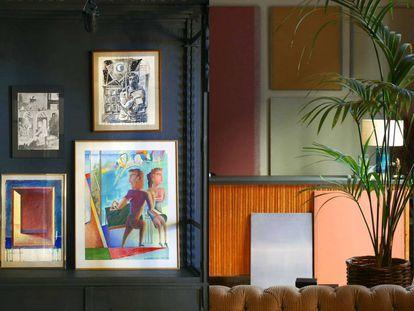 Aún quedan muy buenas piezas de desembalaje de arte en el Almacén: han desempolvado obras de los años 70 y 80 de artistas como Luis Gordillo, Guillermo Perez-Villalta (izquierda), Darío Villalba, Ràfols-Casamada, Armando Pedrosa, etcétera. |