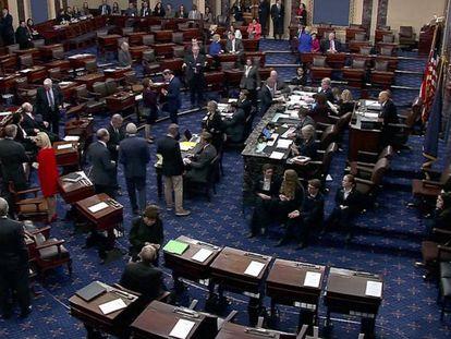 El Senado estadounidense en sesión. En vídeo, Senadores declarando a favor del tratado