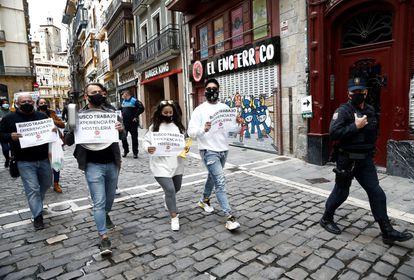Protesta por el cierre de la hostelería en Pamplona.