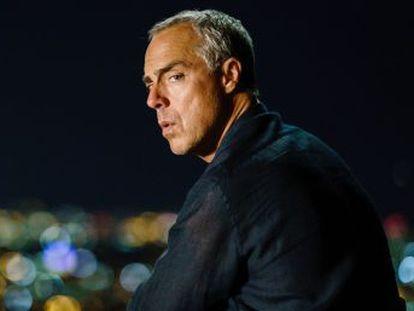 La tercera temporada de la serie basada en el personaje de Michael Connelly muestra un duro retrato de EE UU