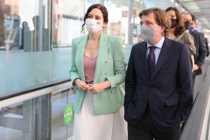 Isabel Díaz Ayuso y José Luis Martínez Almeida, el 19 de mayo.
