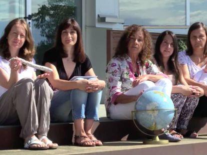 Las investigadoras que ganaron el Ig Nobel en 2014, con Margarita Garriga en el centro.