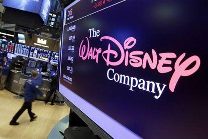 La cotización de Disney en uno de los monitores de Wall Street.
