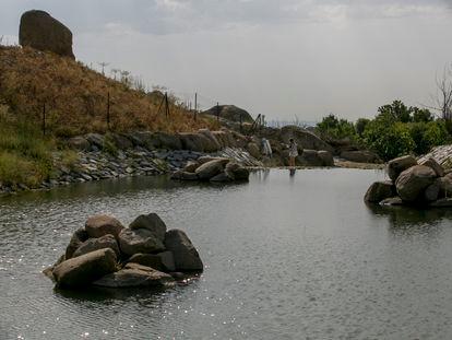 La antigua Presa de La Alberca, desmantelada y convertida en la charca de anfibios más grande de Europa.