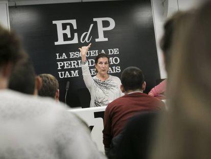 Alma Guillermoprieto, premio Princesa de Asturias de Comunicación y Humanidades, en una clase magistral en la Escuela de Periodismo  UAM-EL PAÍS.