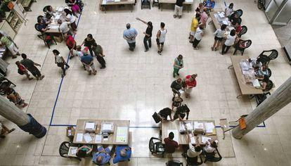 Un colegio electoral, en Palma, durante las elecciones generales de junio 2016.