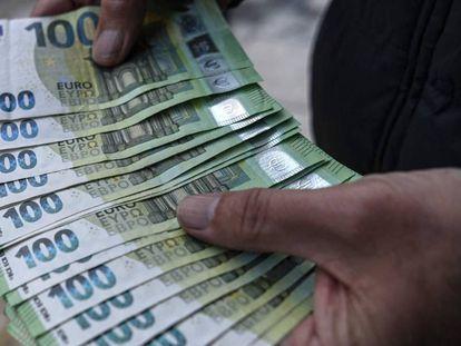 Los préstamos personales son dos veces más caros en España que en Francia