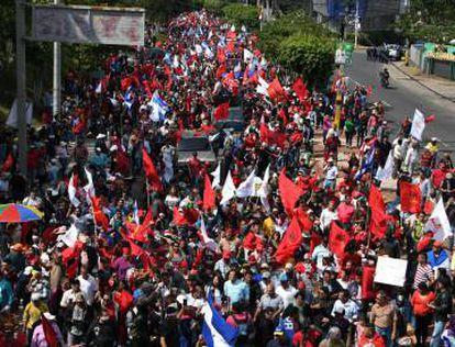 Miles de personas protestaron este domingo en Honduras