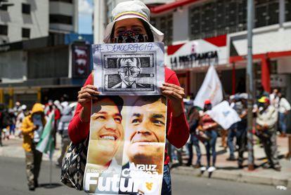 Una simpatizante del expresidente Correa, durante una concentración de septiembre pasado en Quito.