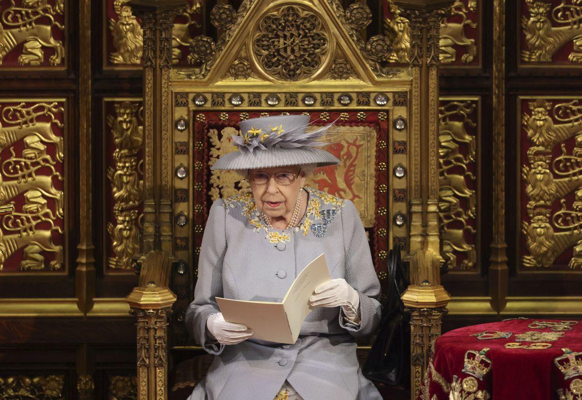 Boris Johnson utiliza el discurso de la reina en el Parlamento para recuperar su agenda pos-Brexit