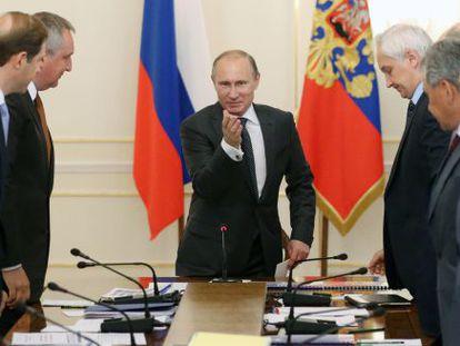 El presidente ruso, Vladímir Putin, durante una reunión este lunes de su Gabinete.