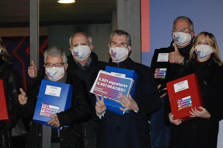 Emili Rousaud, el día que entregó junto a su equipo las firmas para ser proclamado candidato a las elecciones del Barcelona.