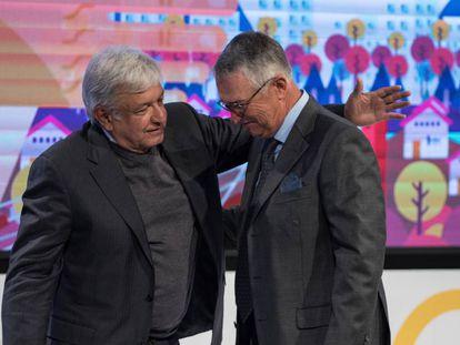 López Obrador y Ricardo Salinas Pliego, en diciembre de 2018.