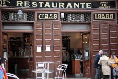 Fachada de Casa Labra, en Madrid.