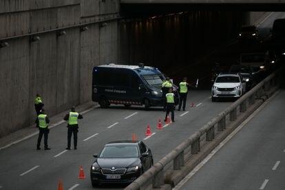 Control de tráfico en la salida de Barcelona, el pasado 9 de abril.