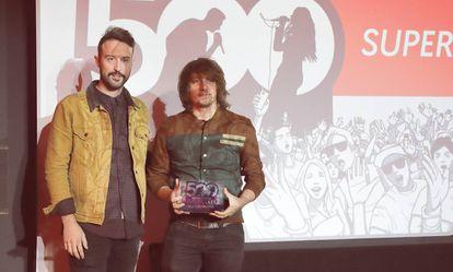 Juanca (izquierda) y Jaime, de Supersubmarina, ayer, en el WiZink Center de Madrid.
