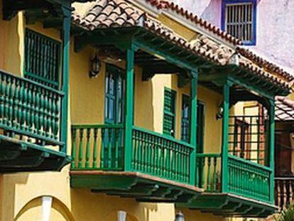 Getsemani es uno de los barrios de Cartagena de Indias (Colombia) más afectados por el desplazamiento de sus ocupantes originales por nuevos vecinos con mayor poder adquisitivo.