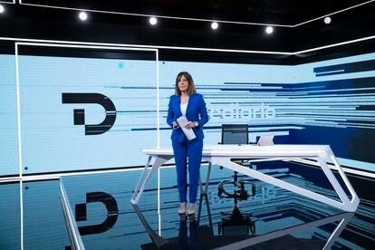 Ana Blanco, el pasado 18 de febrero, día que se estrenó la nueva escenografía del 'Telediario' de TVE.
