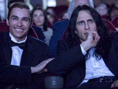 Dave (izquierda) y James Franco, en un fotograma de 'The Disaster Artist'.