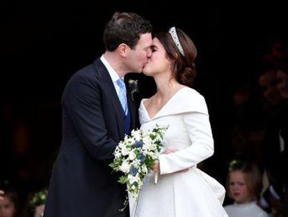 La nieta de Isabel II contrae matrimonio en la capilla del palacio Windsor con la presencia de toda su familia y un puñado de famosos