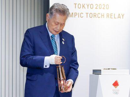 El presidente del comité organizador de Tokio 2020, Yoshiro Mori, en la ceremonia de exhibición de la llama olímpica en el Museo Olímpico de Japón en Tokio.