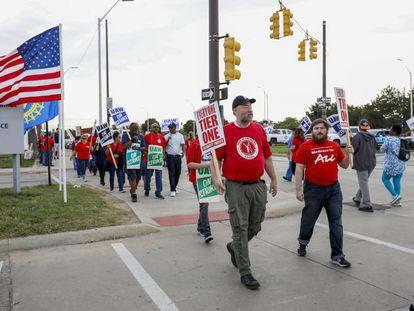 Trabajadores de la planta de Detroit-Hamtramck Assemby, durante las protestas contra la empresa automovilística.