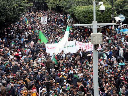 Manifestación de este lunes 22 de febrero en Argel en el segundo aniversario del Hirak, el movimiento que reclama la apertura democrática del país.