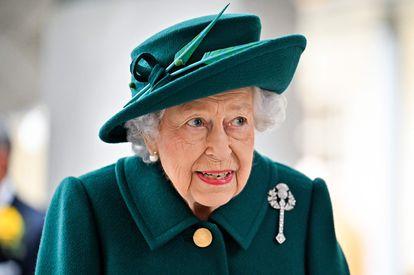 La reina Isabel II a su llegada a la inauguración del Parlamento de Escocia en Edimburgo.