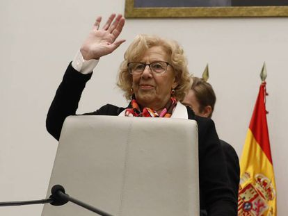 Manuela Carmena el 18 de diciembre de 2017 en el pleno municipal.
