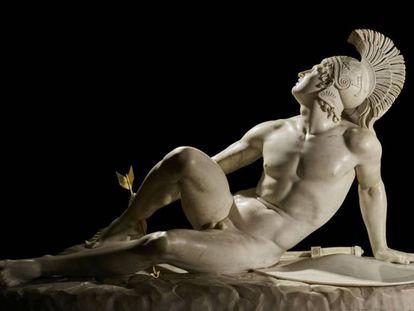 'Aquiles herido' (1825), de Filippo Albacini, en la exposición sobre Troya.