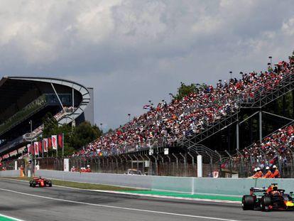 Max Verstappen de Red Bull durante la carrera en el circuito de Montmeló.