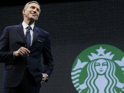 El presidente ejecutivo de Starbucks, Howard Schultz
