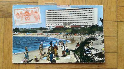 Una de las postales.